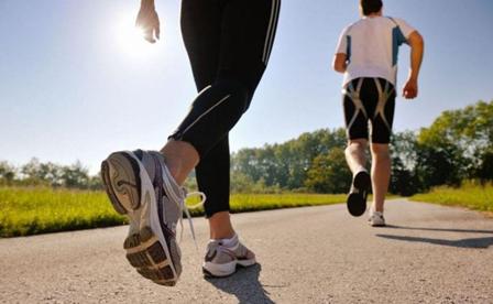 Hasil gambar untuk Olahraga Ringan Jalan Kaki Cepat Kaya Manfaat